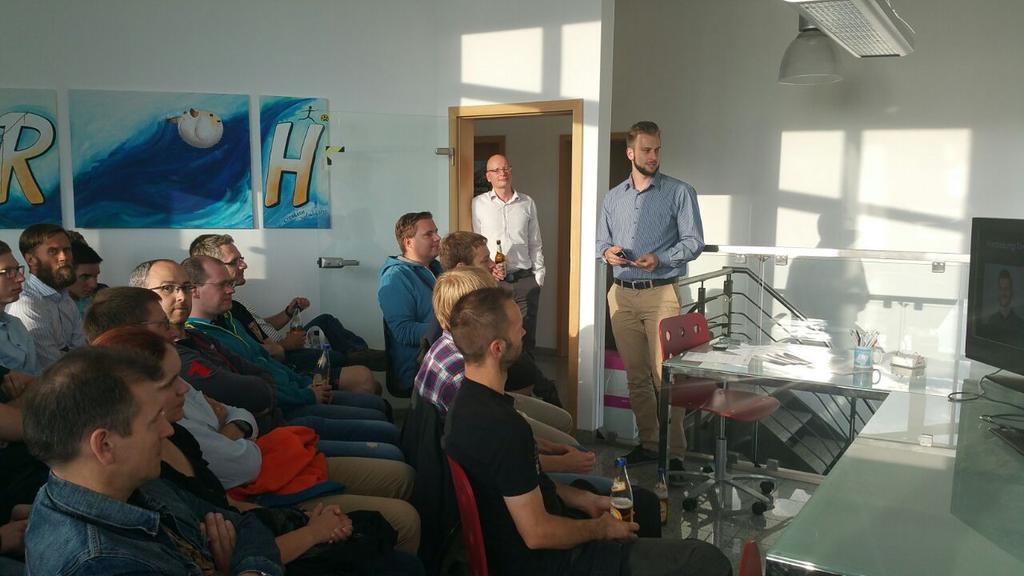 Tim Brettschneider hält einen Vortrag beim Webmontag Erfurt