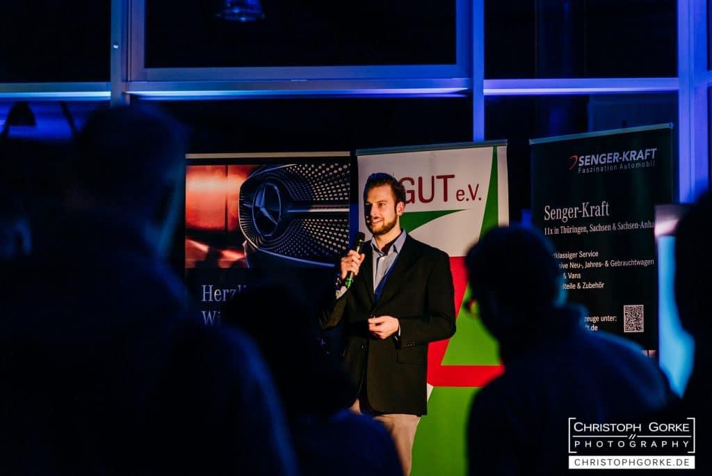 Tim Brettschneider beim Vortrag in Erfurt auf der Fuckup Night