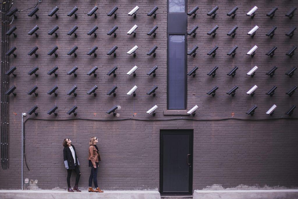 Überwachung von Menschen