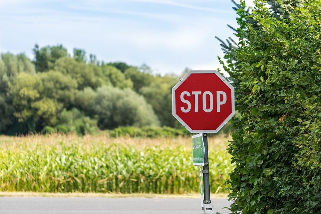 Stoppschild an Kreuzung